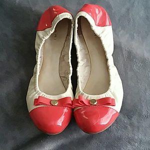 f64aac2e1c0 Tahari Shoes